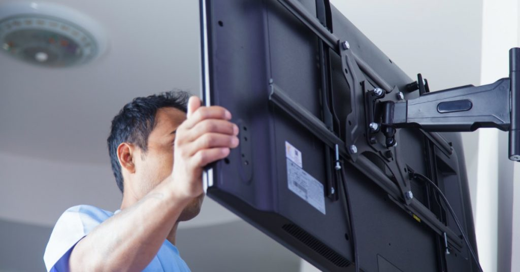 Top Three Things to Consider When Hiring Professionals to Install Your TV
